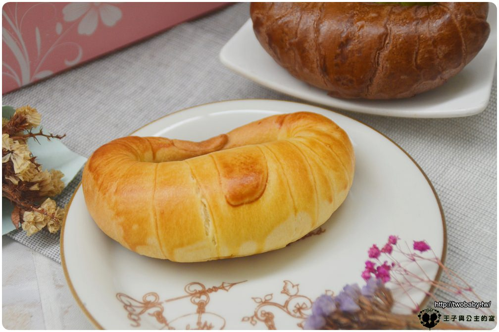 14宅配美食|台中夯牛角 真味上品牛角麵包系列 一盒6入