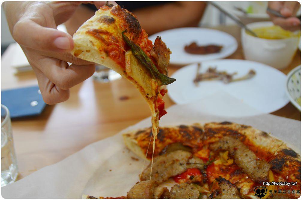 嘉義美食 笨起司義式餐廳 主打手工窯烤披薩-必點 嘉義義大利麵-檜意森活村美食